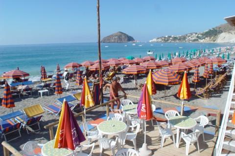 Hotel La Mandorla: Spiaggia - Hotel La Mandorla Ischia