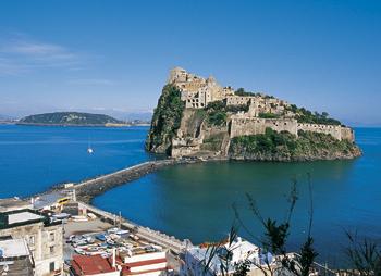 Il Castello Aragonese di Ischia. Un capriccio della natura, uno scrigno di storia.