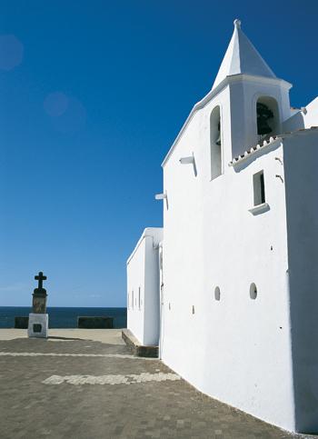 L'architettura sussurrata delle chiese dell'isola d'Ischia