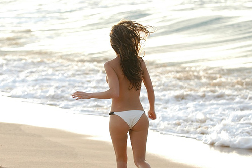 Via di corsa sulle spiagge di Ischia, ritrovate la bellezza della forma perfetta