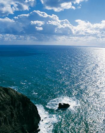 Il faro di Punta Imperatore. Romantica solitudine di un'antica lanterna