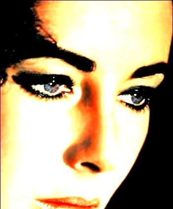 """Cleopatra"" sixty ha gli occhi viola di Liz..."